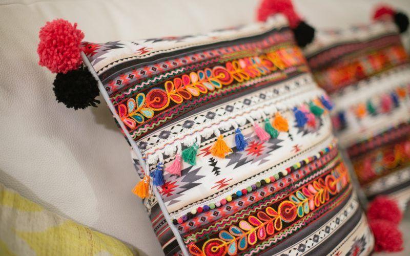 Cojines de estilo étnico Diy con mi maquina de coser Alfa .